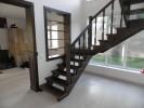 17. Лестница из сосны , ступени-ясень