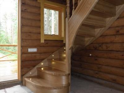 24. Лестница из ясеня