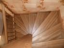 28. Лестница из сосны , ступени-ясень
