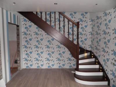 44. Лестница из сосны , ступени-ясень